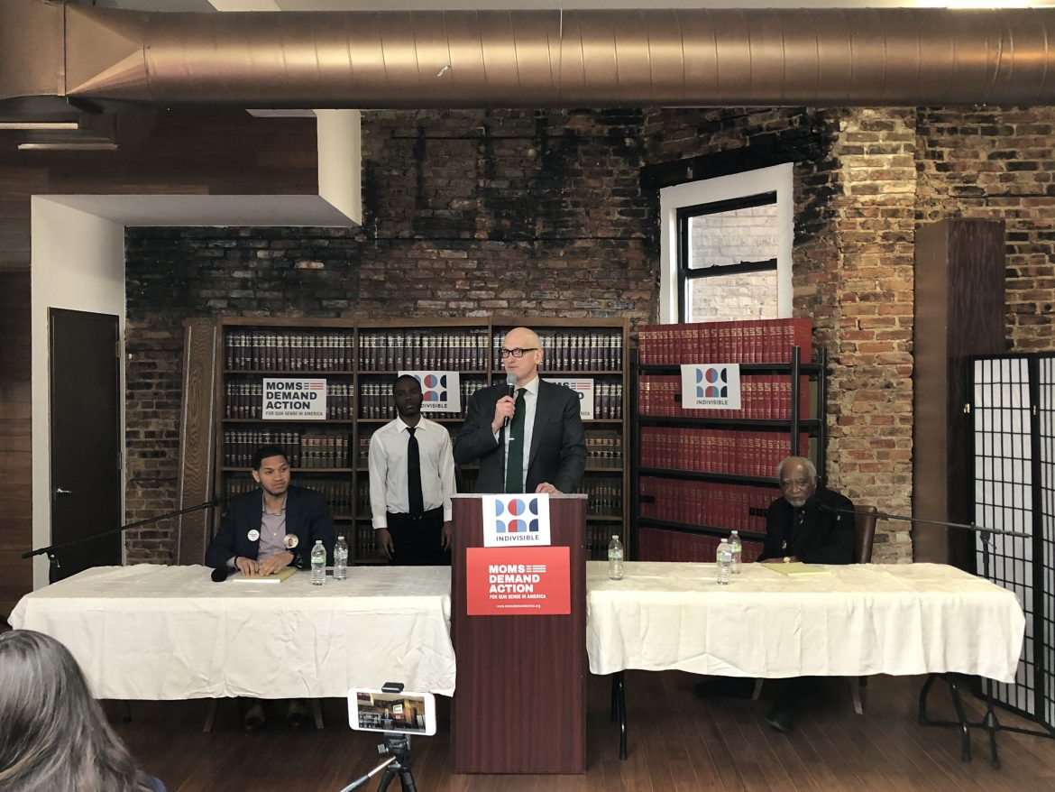 Students Quiz 7th District Democratic Candidates On Gun